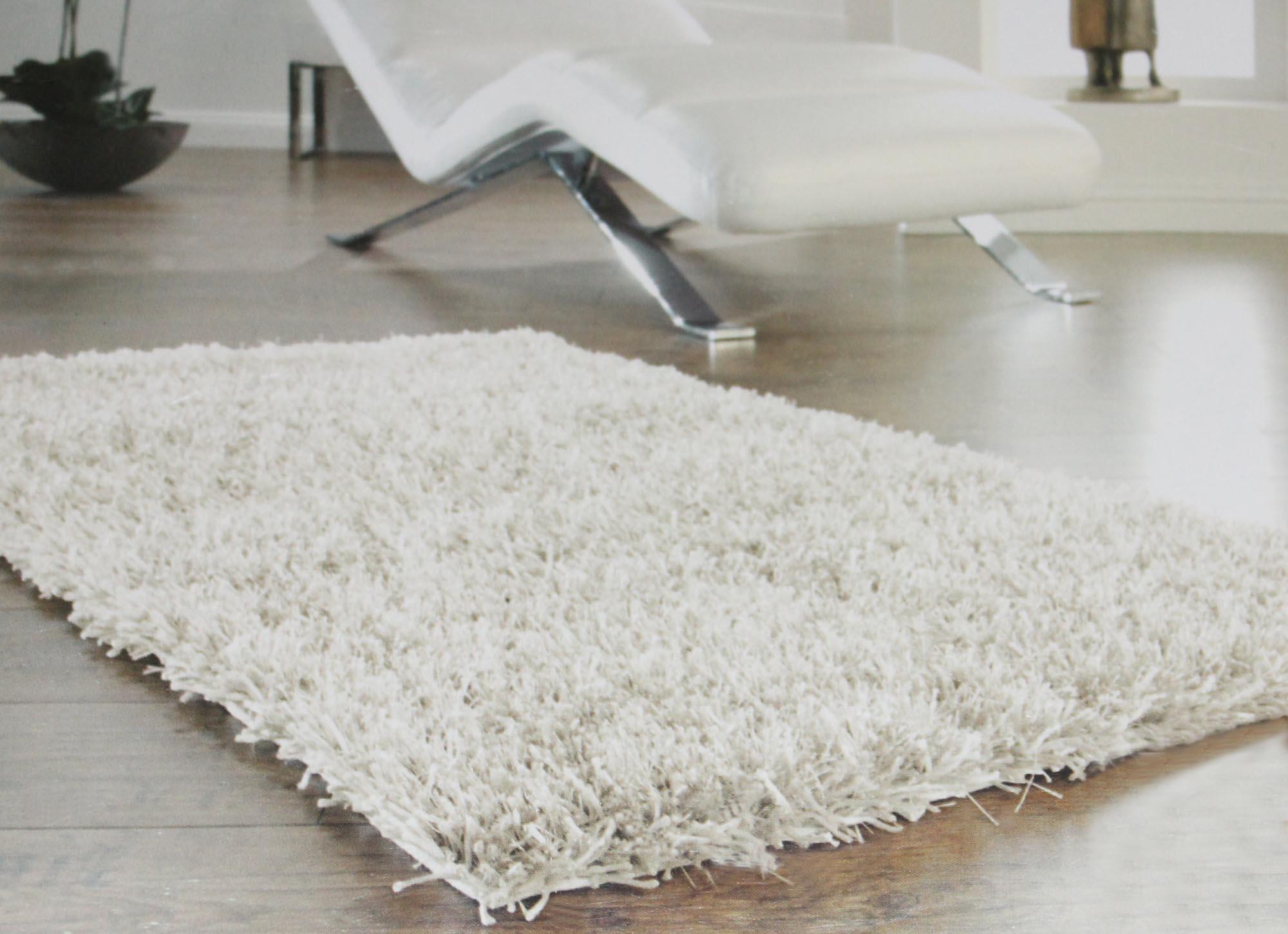 Teppich läufer weiß  Schlafzimmer Teppich Grau: Amenagement combles idees.