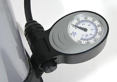 power standluftpumpe luftpumpe hubpumpe mit manometer sport freizeit. Black Bedroom Furniture Sets. Home Design Ideas